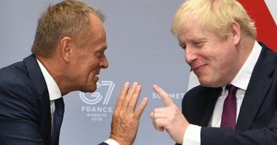 Atraso no Brexit ainda é possível, Tusk diz aos parlamentares do Reino Unido se preparando para votar no acordo de Johnson