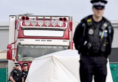 Caminhão com 39 corpos encontrados dentro de propriedade de irlandesa