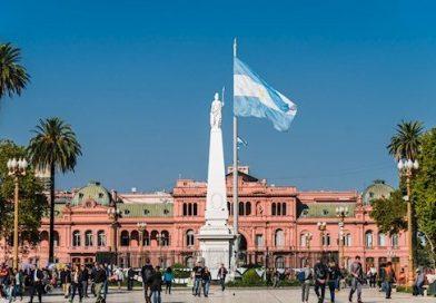 Turista britânico, 50 anos, morto a tiros em assalto em frente ao hotel Buenos Aires