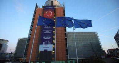 Negociações são retomadas enquanto líderes da UE discutem como corrigir um buraco no orçamento do tamanho do Brexit