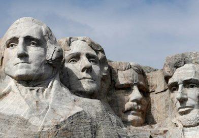 Distanciamento social não necessário no evento Trump Mount Rushmore