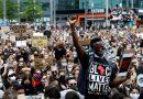 Manifestantes apóiam o Black Lives Matter em três continentes