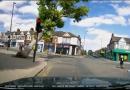 Árvore em colapso perde por pouco pedestres na encruzilhada de Londres