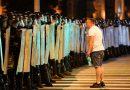 Polícia e manifestantes entram em confronto após votação presidencial na Bielo-Rússia