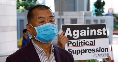 Jimmy Lai, magnata da mídia de Hong Kong, preso sob a lei de segurança, disse um assessor