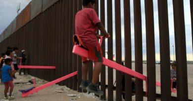 Balancins na fronteira EUA-México ganham prêmio de design do Reino Unido