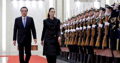 A primeira-ministra da Nova Zelândia, Jacinda Ardern, assume postura mais dura em relação à China