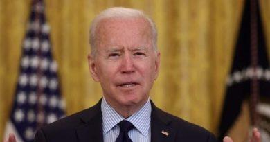US Prez Biden revoga ordens de Trump nas redes sociais, estátuas e migrantes