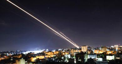 Cisjordânia explode em protesto em meio a mais combates Israel-Hamas